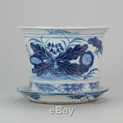 20C Chinese Porcelain Jardiniere / Planter for Flower Cabbage Leaf Blue White