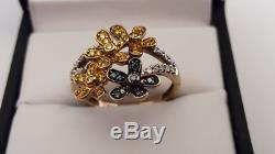 Beautiful 9ct Gold Yellow, Blue & White Diamond Flower Ring