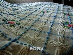Beautiful Vintage Chenille Bedspread Cabin Craft/ Blue/White/Flowers 90X105