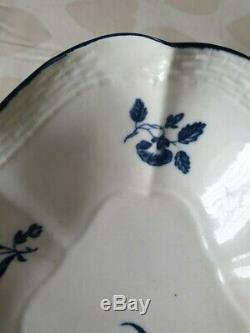 First Period Worcester Blue & White Porcelain Fluted Dish, Three Flowers Design